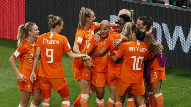 mondiali femminili, olanda, USA, Sicilia, Calcio