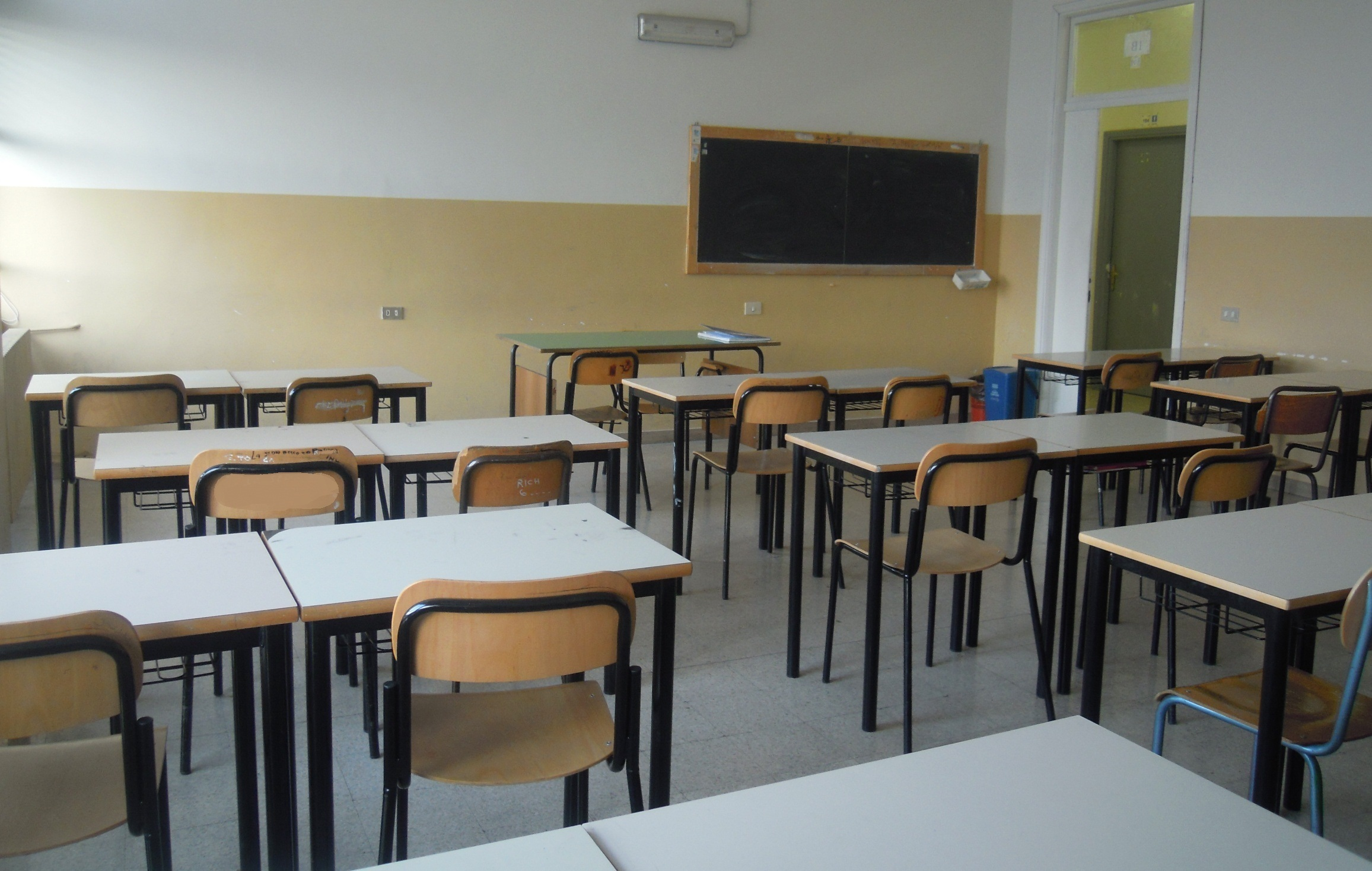 Calendario Scolastico 2020 Sicilia.Scuola In Sicilia Studenti In Classe Giovedi 12 Settembre