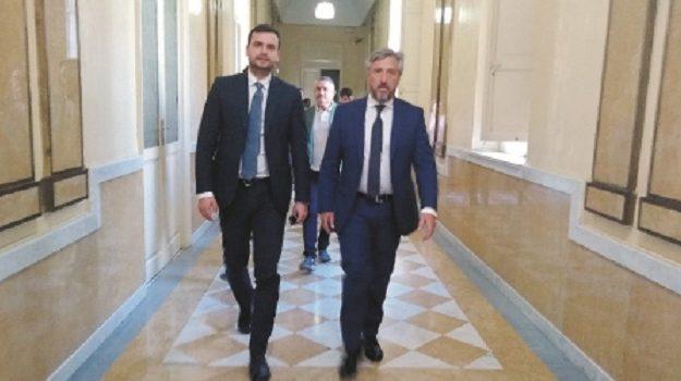 Cara, dipendenti, Carlo Sibilia, Caltanissetta, Economia