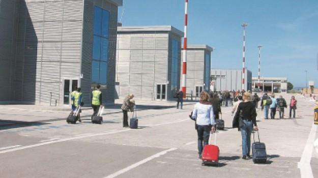 aeroporto birgi, Nello Musumeci, Salvatore Ombra, Trapani, Economia