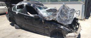 Quel che resta della Bmw di Fabio Provenzano dopo l'incidente