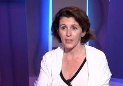 Ayanta Barilli: «Racconto la mia famiglia per capire chi sono» La scrittrice sul suo romanzo autobiografico  «Un mare viola scuro» (DeA Planeta) - Corriere Tv
