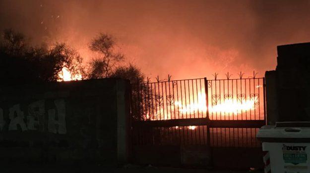 catania, incendio, via Pacinotti, Catania, Cronaca