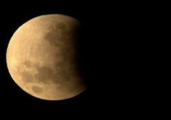 Eclissi di luna, lo spettacolo nei cieli di Roma e Sydney L'evento si è verificato nella notte tra il 16 e il 17 luglio - Ansa