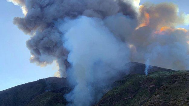 eruzione stromboli, esplosione stromboli, stato di calamità, Messina, Cronaca