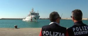 Migranti, fermati nel Ragusano 2 presunti scafisti: erano sulla Gregoretti