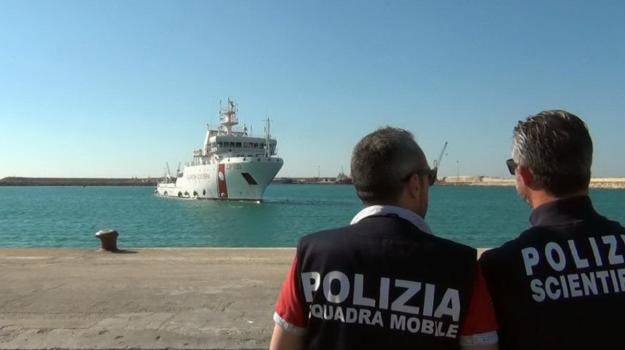 migranti, Danilo Toninelli, Matteo Salvini, Siracusa, Cronaca