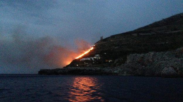 incendi, Monreale, san vito, villaggio Calampiso, Palermo, Cronaca