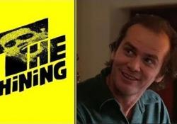 Il ruolo è quello di Jack Nicholson in Shining. Sue anche le espressioni, i gesti, i movimenti. Il volto, però, è quello di Jim Carrey: pettinato e vestito come il protagonista del film, Jack Torrance, calato nella parte e terrificante come non mai. Il filmato — che può ingannare anche l&rsquo...