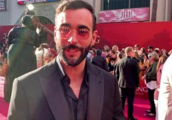 Marco Mengoni alla premiere del «Re Leone». Il cantante sarà la voce di Simba in italiano Canterà anche la famosa «Can you feel the love tonight»  - Corriere Tv