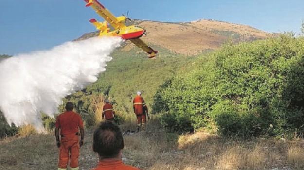 3 feriti, incendio, monte Inici, Michele di Franco, Trapani, Cronaca