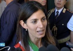 Morte De Crescenzo, sindaco Raggi: «L'Italia perde un altro dei suoi figli migliori» Morte De Crescenzo, la sindaca di Roma: «Sapeva rendere semplici concetti complessi: solo i grandi sanno farlo» - AGTW