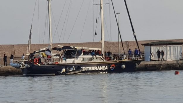Alex, Lampedusa, ong, Sea Watch, Sicilia, Cronaca