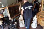 Opere d'arte rubate e rivendute all'estero, cinque arresti