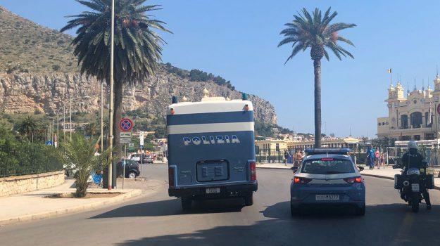 mondello, Palermo, Cronaca