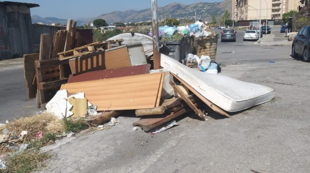 Palermo, rifiuti, sanzioni, Palermo, Cronaca