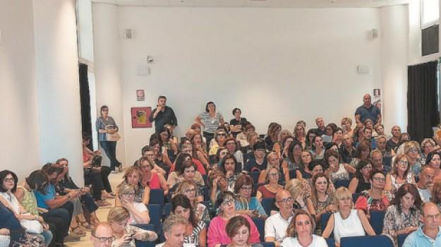 400 lavoratori precari, assemblea sindacati, comune di alcamo, Trapani, Economia