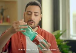 The Jackal per l'ambiente, il nuovo divertente video: «Mamma non ero pigro, ma ambientalista» Il gruppo di videomaker realizza un nuovo filmato per l'ambiente e, con ironia, sottolinea alcuni miti da sfatare per il riciclo - Corriere Tv