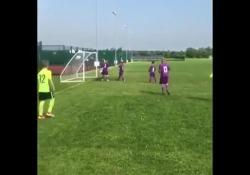 Tottenham, a 8 anni segna il gol «alla Del Piero» Olly Lloyd fa parte della squadra under 9 del Tottenham - Dalla Rete