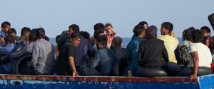 """Migranti, nuovo sbarco """"fantasma"""" a Lampedusa: rintracciati 21 tunisini"""