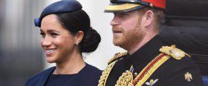 Harry e Meghan, addio al ruolo nella famiglia reale ma la Regina frena