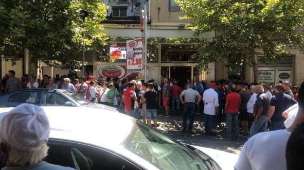 Piazza Armerina, uccide il padre, Armando Lo Monaco, Carlo Lo Monaco, Enna, Cronaca