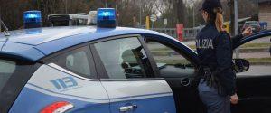Caltagirone, non si ferma all'alt e investe un poliziotto