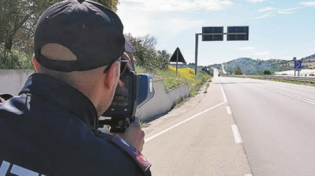 """Caltanissetta, autovelox in via Due Fontane. Ma è polemica: """"Limite di velocità basso"""" - Giornale di Sicilia"""
