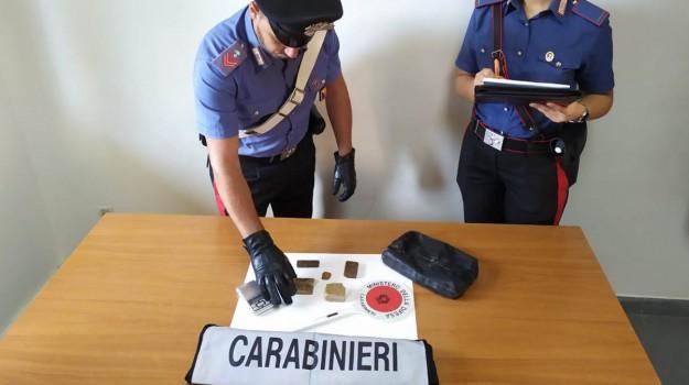 arresti, droga, furti, Campione Vincenzo, Laroussi Azaiz, Ragusa, Cronaca