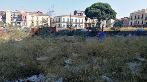 abusivismo, rifiuti, Vincenzo Parisi, Catania, Cronaca