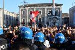 Le contestazioni al leader della Lega, il vicepresidente del Consiglio e ministro dell'Interno Matteo Salvini, Catania