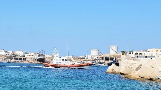 internet, Lampedusa, Linosa, Agrigento, Cronaca