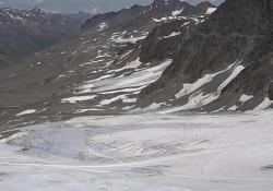 La corsa contro il tempo per salvare i ghiacciai Tra 80 anni ne spariranno 3/4: l'analisi degli esperti - Ansa