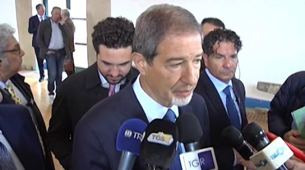 rifiuti, Nello Musumeci, Sicilia, Politica