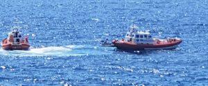 La guardia costiera di Lampedusa al porto