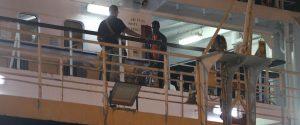 Open Arms, sbarcano altri 9: a bordo restano 99 migranti, svolta più vicina