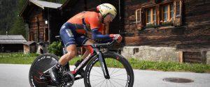 Ciclismo, Pozzovivo investito durante gli allenamenti: fratture agli arti