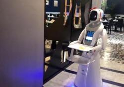 Robot che servono sushi ai tavoli, per la prima volta in Sardegna Attrazione in sushi-bar, nessun posto di lavoro