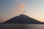 Stromboli, dopo la paura per le esplosioni torna il sereno: notte tranquilla sull'isola