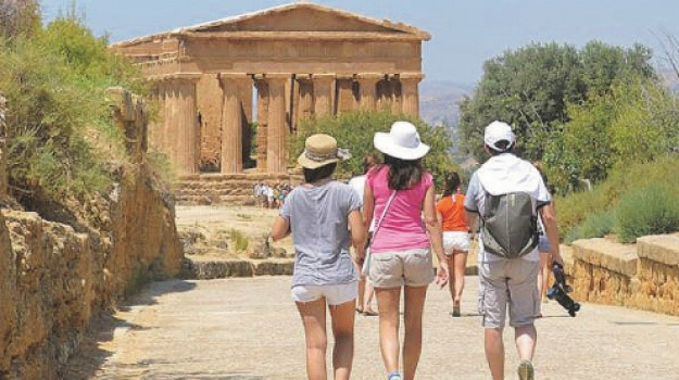banche, turismo, Sicilia, Economia