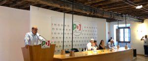 Nicola Zingaretti durante la relazione alla Direzione del Pd