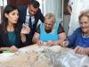 Sindaci Metropolitani a Bari, Virginia Raggi fa orecchiette
