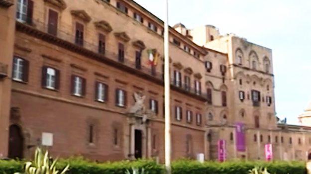 ars, LAVORO, Giovanni Di Caro, Luca Sammartino, Sicilia, Politica