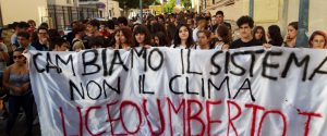 Sciopero per il clima: in Sicilia migliaia di studenti in piazza, tensioni a Palermo