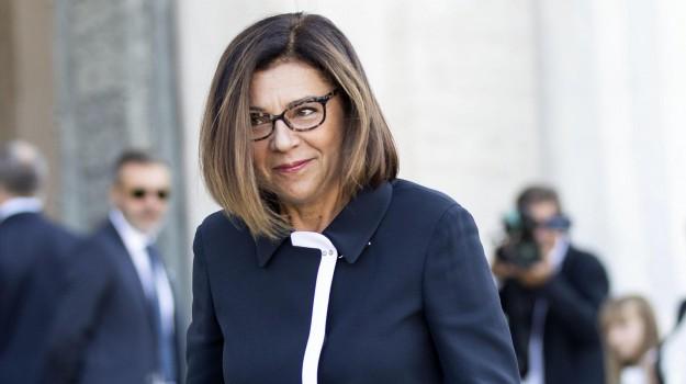 trasporti, Paola De Micheli, Sicilia, Politica