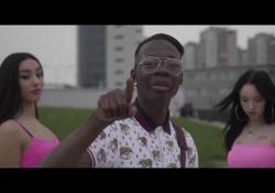 Adamo Bara Luxury, il rapper arrestato per rapina: nelle sue canzoni piscine e  case di lusso  | Video «Gang bang», «Puerto Rico»: i brani del rapper  in rete - Corriere Tv