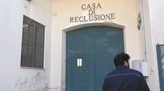 aggressioni, carcere, Eugenio D'Aguanno, Trapani, Cronaca