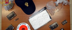 Mazara, scoperti 280 mila euro di droga in una palazzina: arrestato 24enne