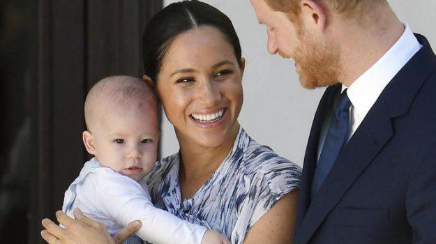 royal family, Archie, Desmond Tutu, Harry Windsor, Meghan Markle, Sicilia, Società