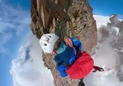 In cima al Monte Rosa con la telecamera in testa: le immagini spettacolari  Il campione italiano di sci nordico, MIchele Peccoz, ha pubblicato sul suo profilo Instagram il video, girato con una go-pro, della scalata verso la vetta del massiccio  - Corriere Tv